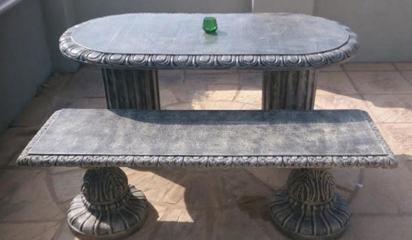 Oval Table with 2 Benches